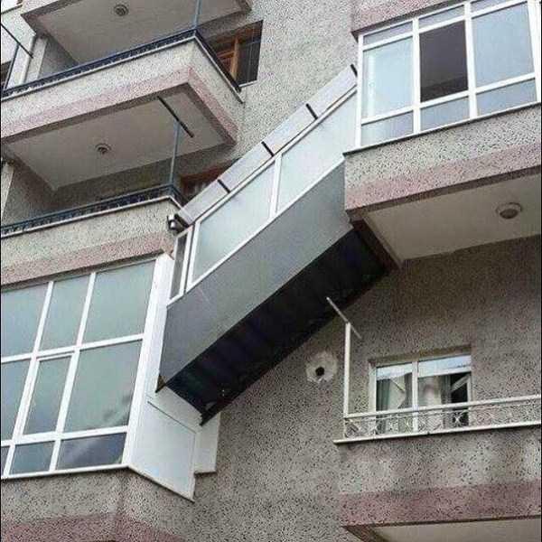weird-balconies (2)