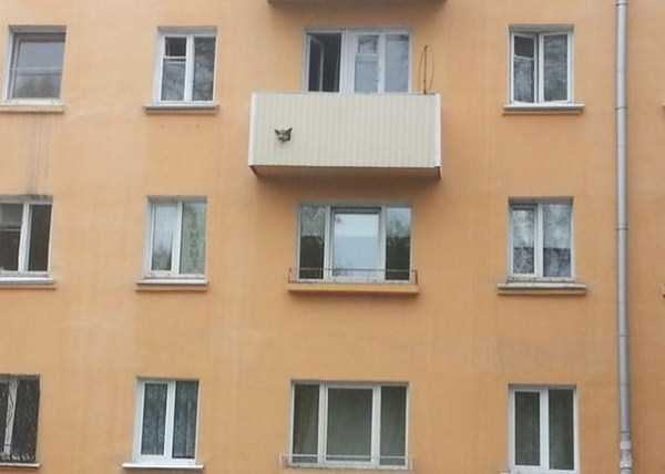 weird-balconies (3)
