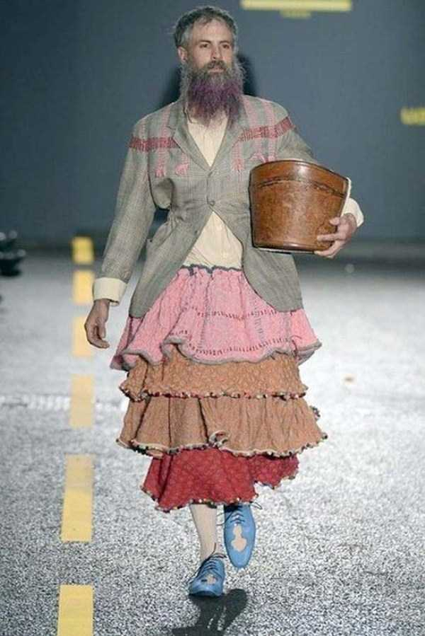 weird-bizarre-eccentric-fashion (22)