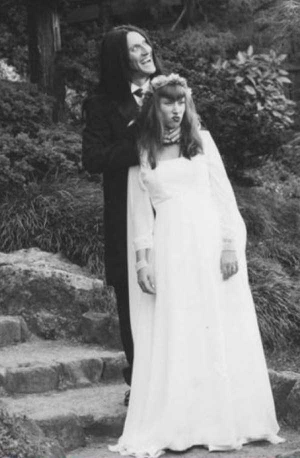creepy-bizarre-old-photos (1)