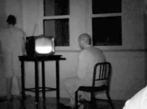 creepy-bizarre-old-photos (13)