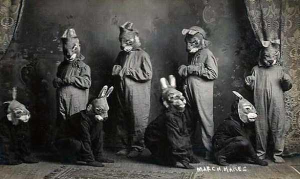 creepy-bizarre-old-photos (14)