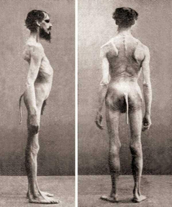 creepy-bizarre-old-photos (16)