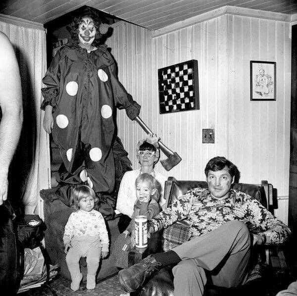 creepy-bizarre-old-photos (5)