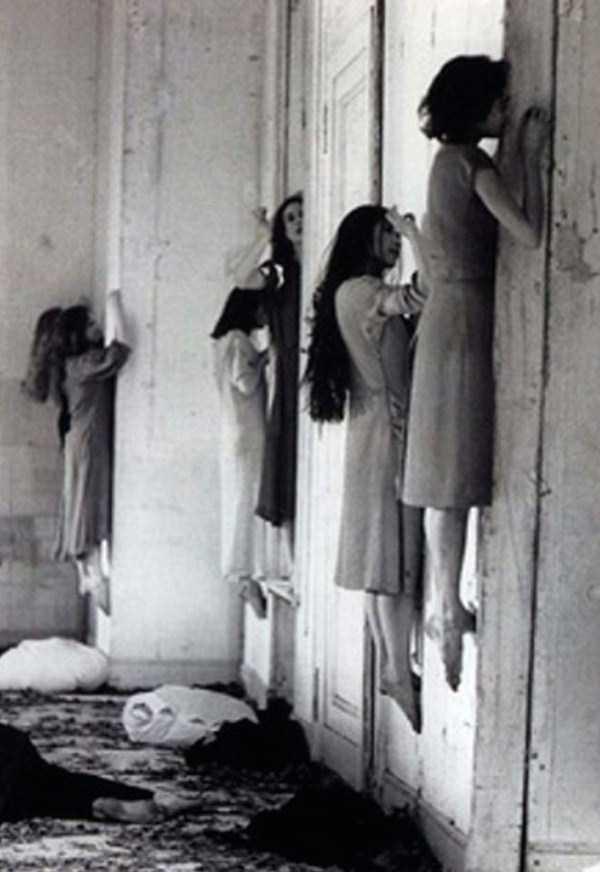 creepy-bizarre-old-photos (6)
