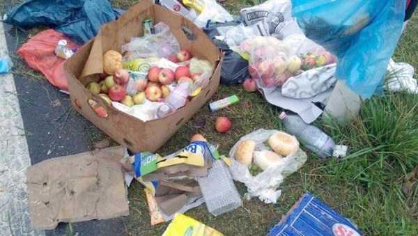 garbage-left-behind-by-refugees (14)