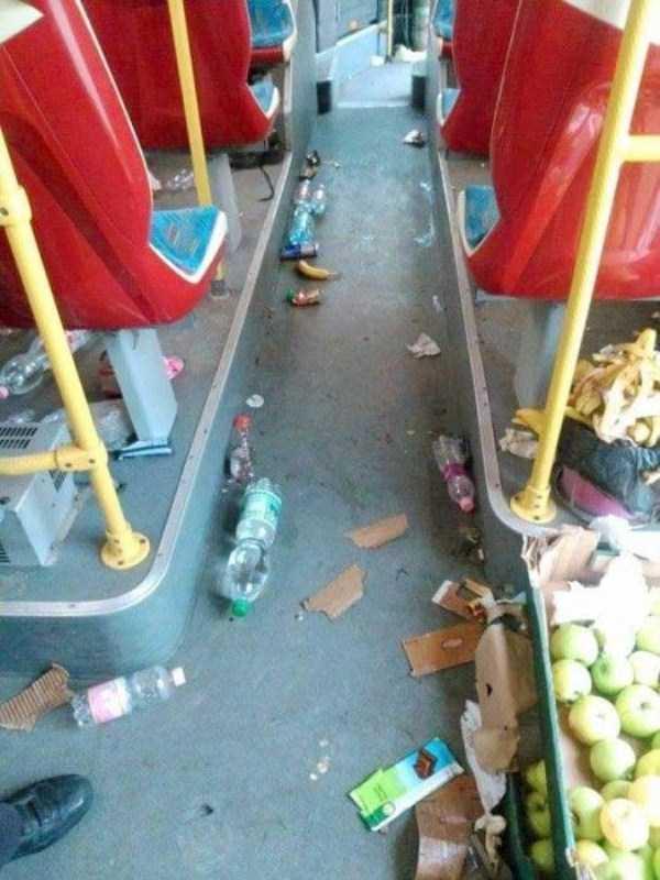 garbage-left-behind-by-refugees (6)