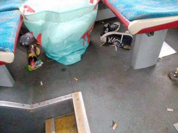 garbage-left-behind-by-refugees (7)