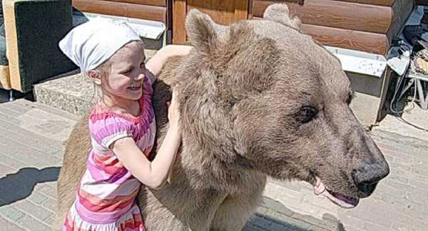 girl-with-bear-(7)