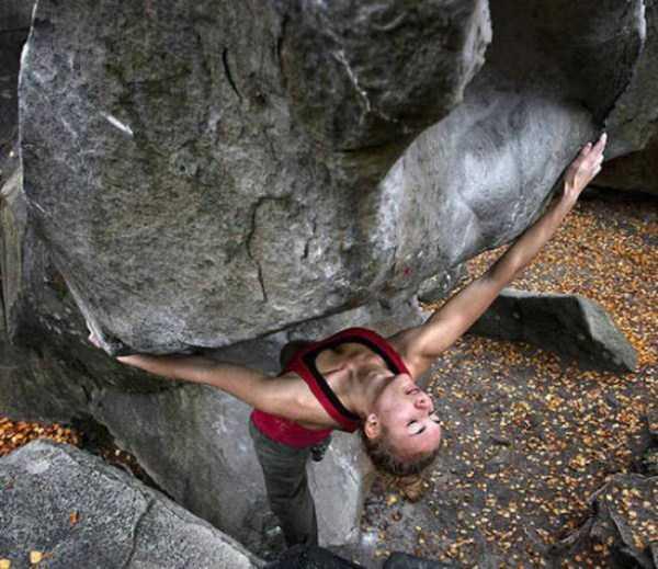hot-sexy-rock-climbing-girls (15)