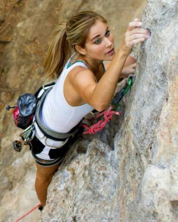 hot-sexy-rock-climbing-girls (17)