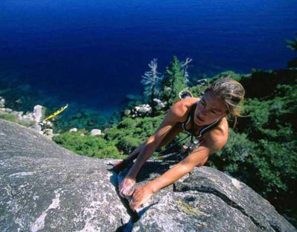 hot-sexy-rock-climbing-girls (23)