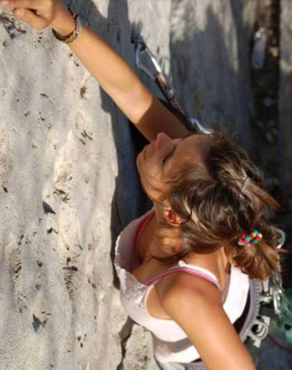 hot-sexy-rock-climbing-girls (26)