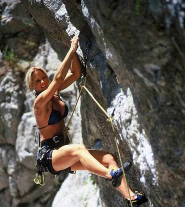 hot-sexy-rock-climbing-girls (31)