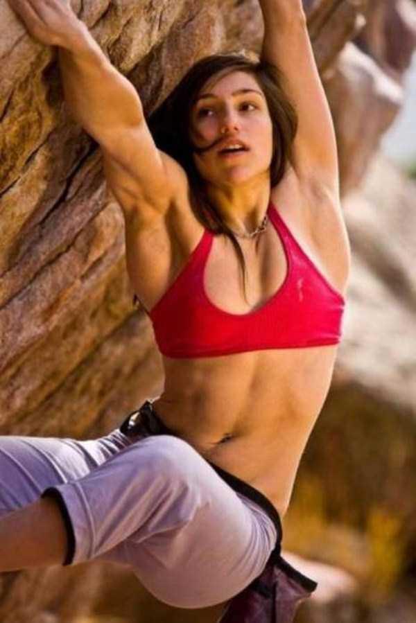 hot-sexy-rock-climbing-girls (32)