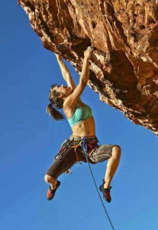 hot-sexy-rock-climbing-girls (34)