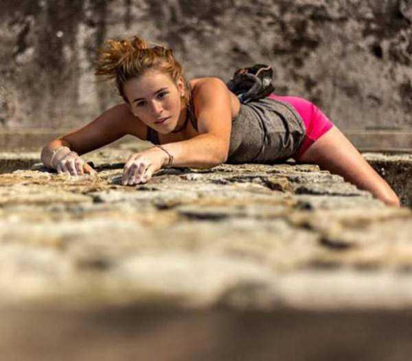 hot-sexy-rock-climbing-girls (35)