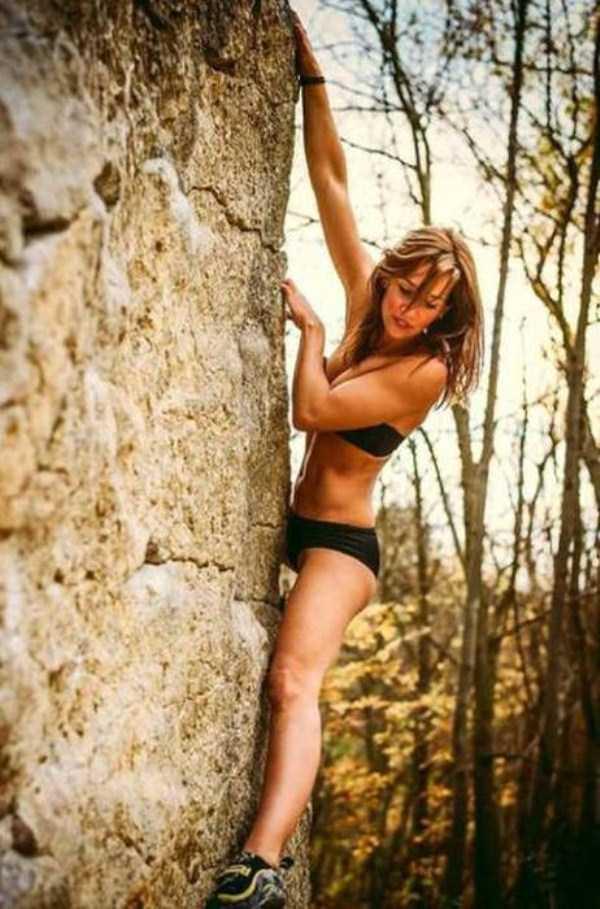 hot-sexy-rock-climbing-girls (39)