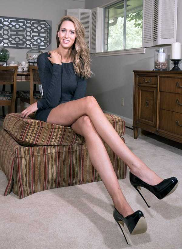lauren-williams-longest-legs-in-america  (8)