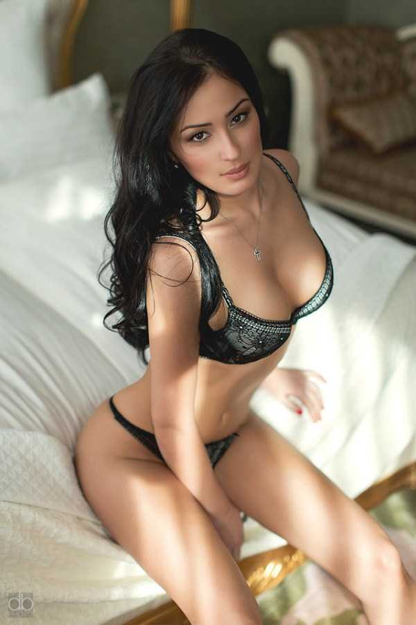 sexy-hot-girls-in-lingerie (25)