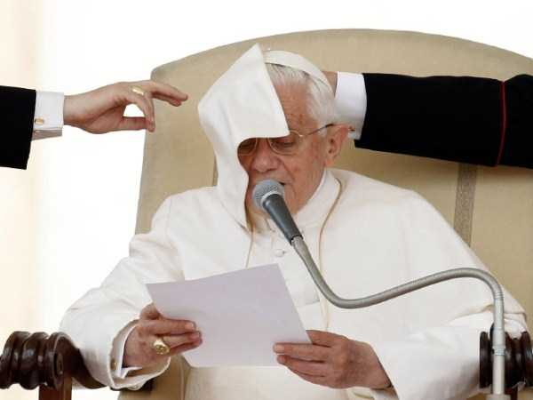 the-pope-and-the-wind (10)