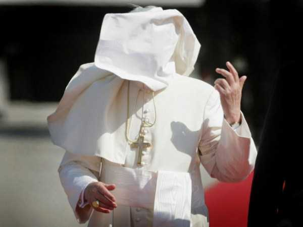 the-pope-and-the-wind (4)