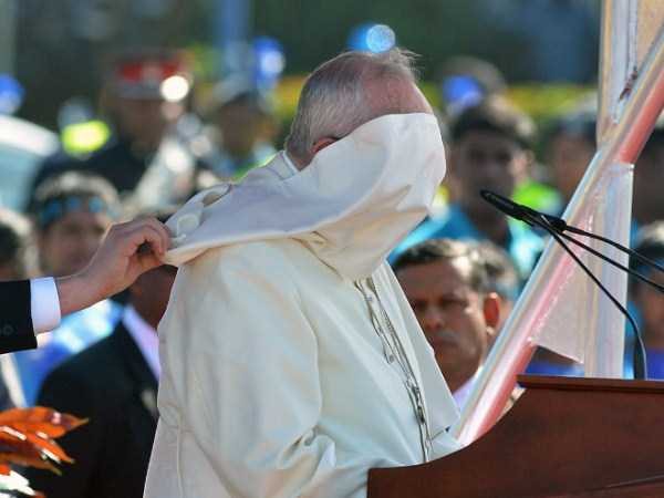 the-pope-and-the-wind (8)