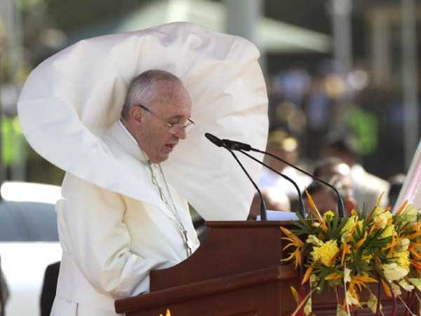 the-pope-and-the-wind (9)