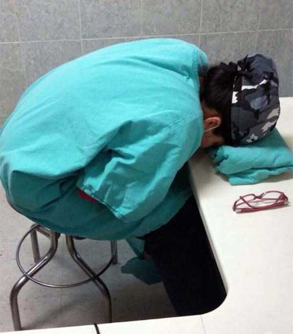 tired-medical-staff (10)