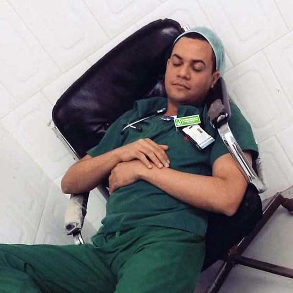 tired-medical-staff (11)