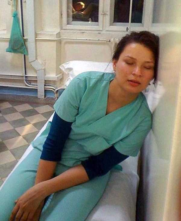 tired-medical-staff (36)
