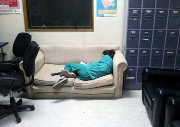 tired-medical-staff (9)