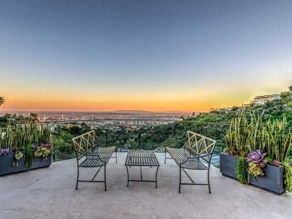 Jordan-Maron-youtube-mansion-hollywood-hills (8)