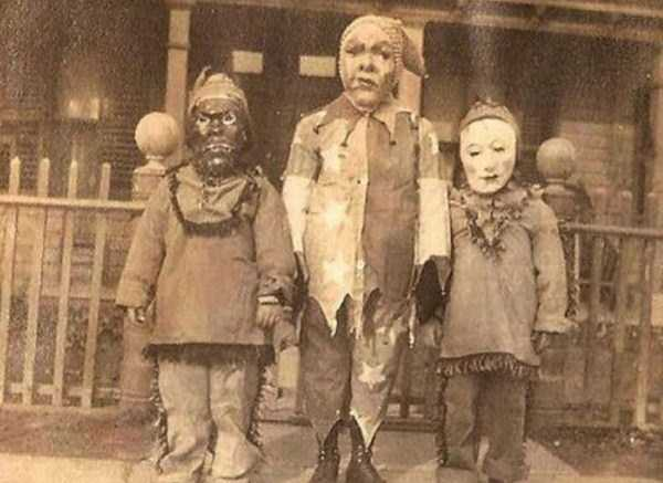 creepy-bizarre-vintage-pictures (13)