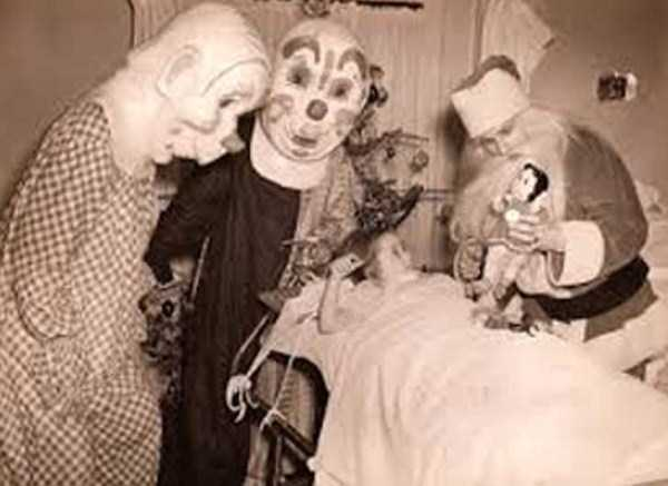 creepy-bizarre-vintage-pictures (16)