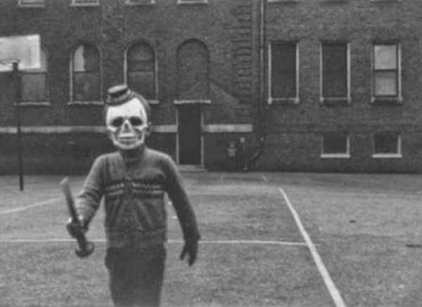 creepy-bizarre-vintage-pictures (20)