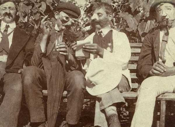 creepy-bizarre-vintage-pictures (27)