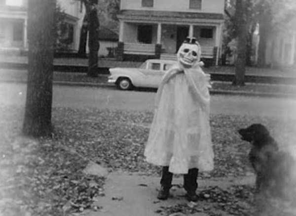 creepy-bizarre-vintage-pictures (29)