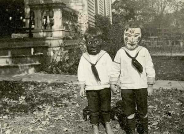 creepy-bizarre-vintage-pictures (4)