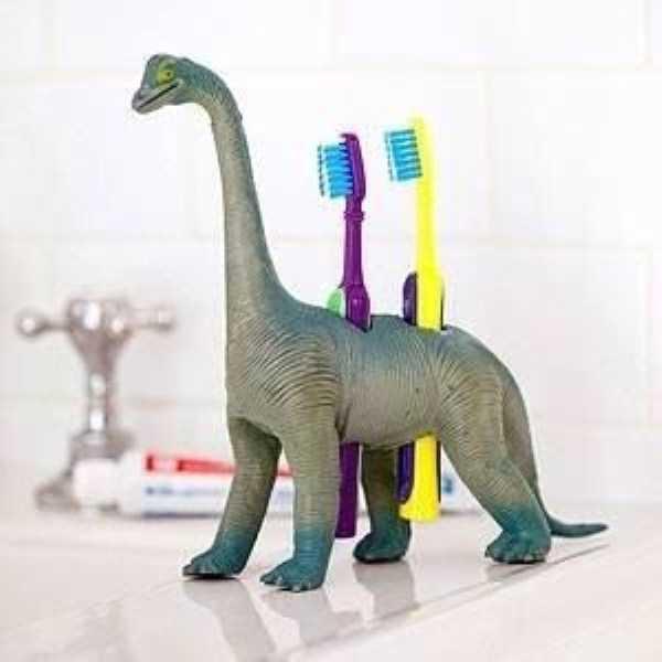 funny-unusual-Toothbrush-Holders (19)
