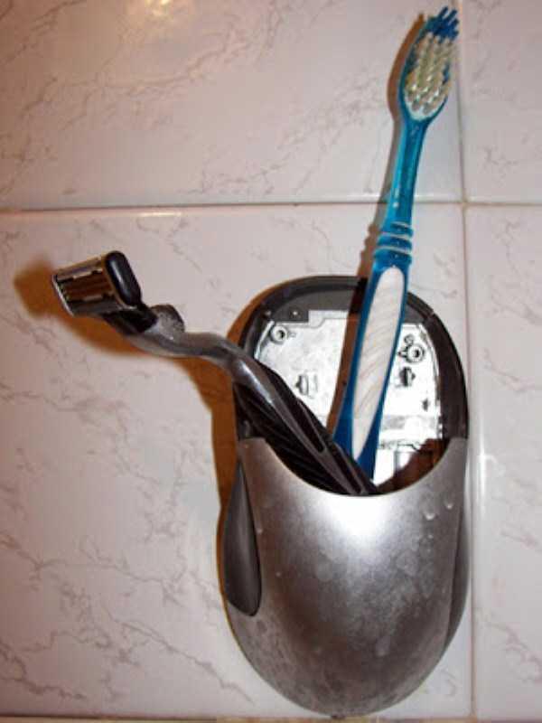 funny-unusual-Toothbrush-Holders (4)
