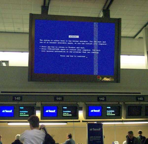 Blue-Screen-of-Death-everywhere (25)