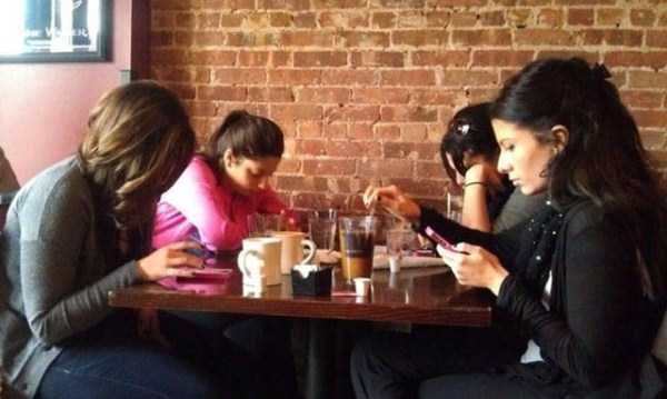 cellphone-addicts (34)