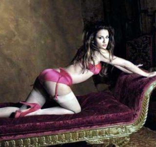 Penelope Cruz Has a Sister and She's Damn Hot (23 photos)