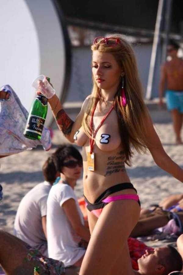 sexy-hot-bikini-girls (18)