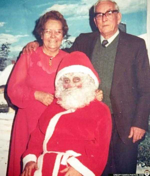awkward-santas-from-the-past (11)