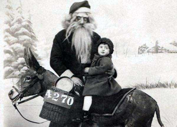 awkward-santas-from-the-past (14)