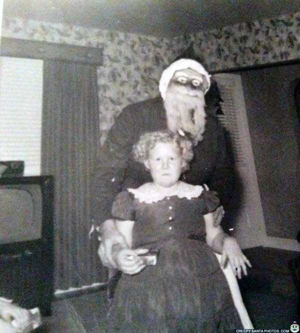 awkward-santas-from-the-past (15)