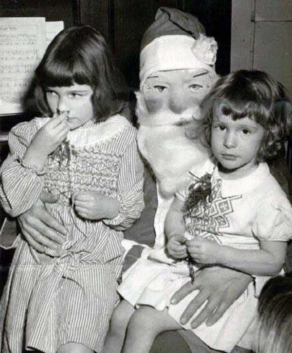 awkward-santas-from-the-past (17)