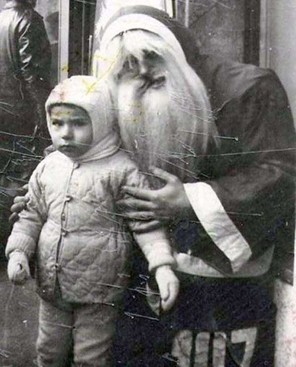 awkward-santas-from-the-past (20)